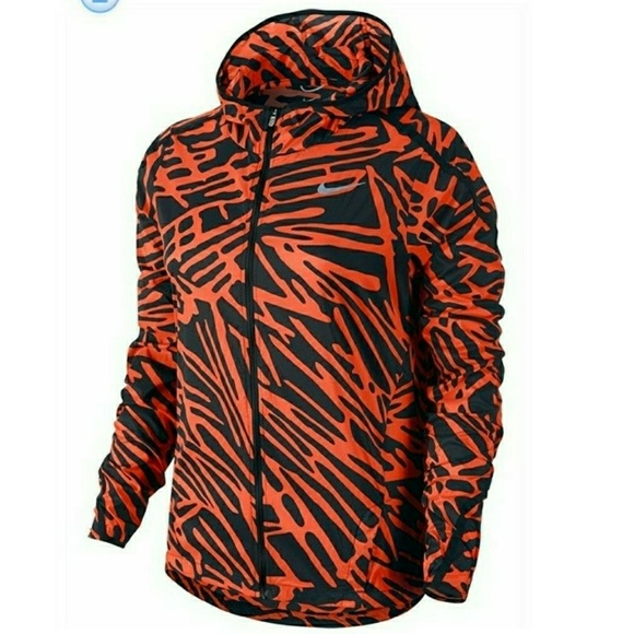 48eef7c9297c Nike Palm Impossibly Light Running Jacket
